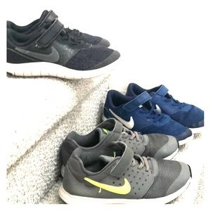 2 Pairs Of Grade School Sz3Y Nike Shoes